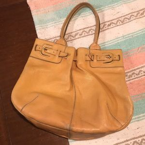 TODS Light Brown Leather Purse 💛